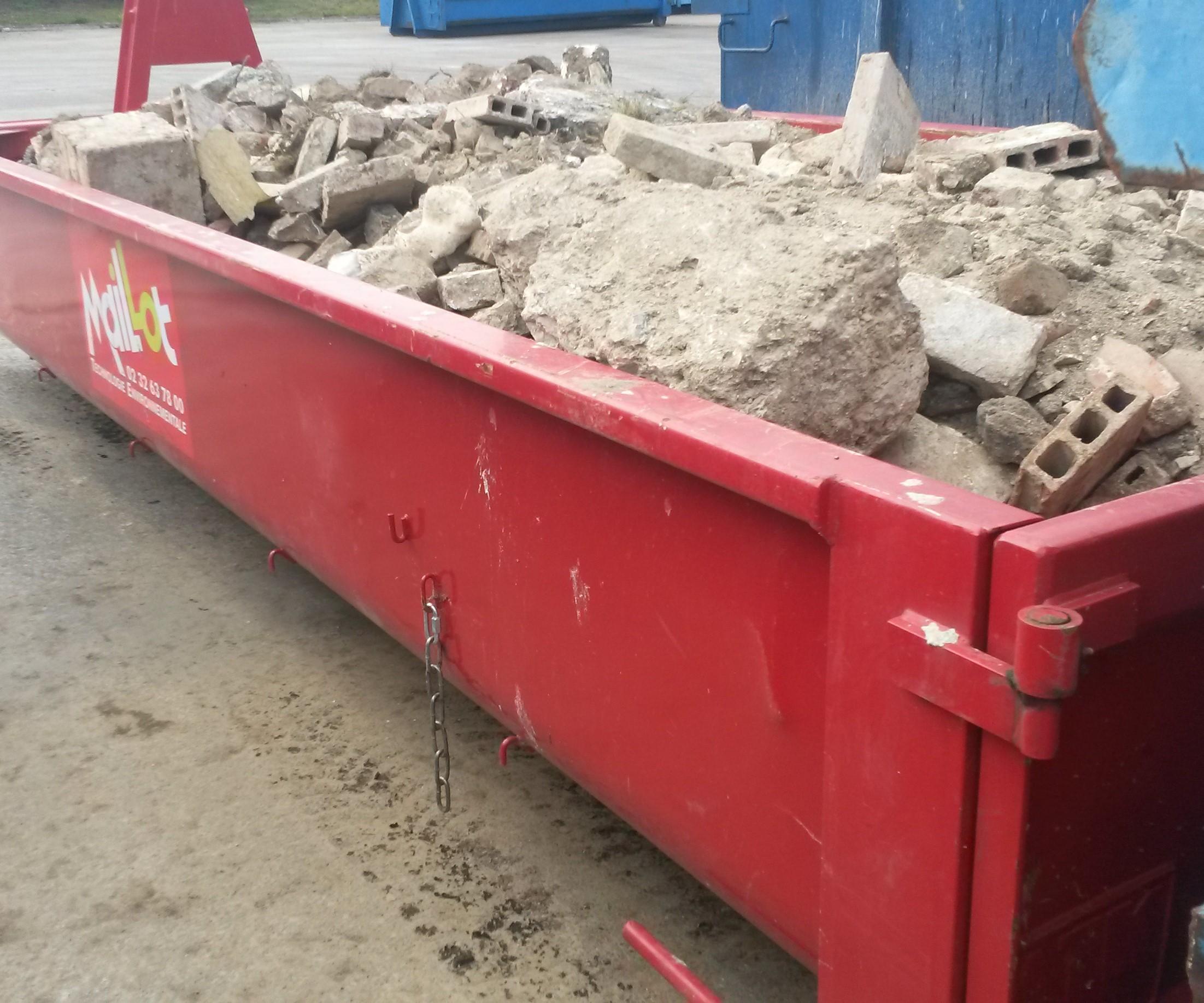 déchets industriels en benne