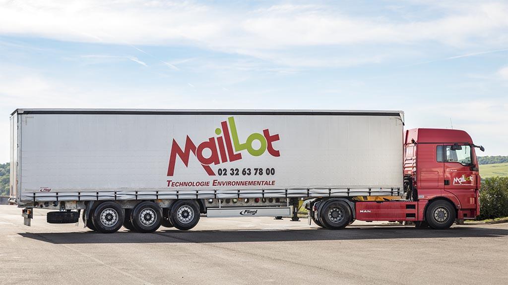 Transport de déchets spéciaux conditionnés par un porteur Maillot SAS