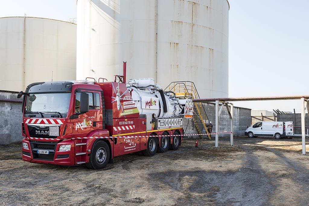 Camion Maillot SAS pour Nettoyage Industriel